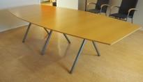 Møtebord i bøk fra EFG, 280x120cm, passer 8-10 personer, pent brukt
