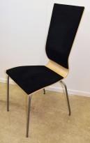 Konferansestol fra EFG i bjerk, rygg/sete i sort stoff, grå ben, høy rygg. modell GRAF, pent brukt