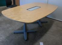 Kompakt møtebord i bjerk, Kinnarps T-serie, 200x120cm, passer 6-8personer, kabelluke, pent brukt