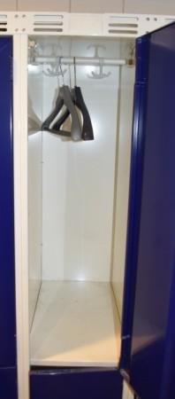 Garderobeskap i stål, 3 rom i bredde, 2 rom i høyde fra Sarpsborg Metall, 90cm bredde, pent brukt bilde 3
