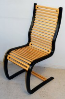 Fora Form Spring stol, sort ramme, bøk spiler, design: Terje Hope, pent brukt