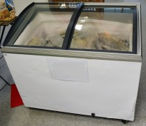 Fryseboks for iskrem/frossenvarer, 105cm bredde, skyvedører i glass i toppen fra Caravell, pent brukt