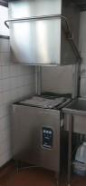 Comenda LC700M hetteoppvaskmaskin for storkjøkken, 230Volt 3fas, pent brukt