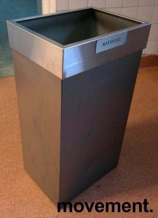 Søppelbøtte / kildesortering for restavfall / papir etc. i grålakkert metall fra Røros produkter på hjul, pent brukt