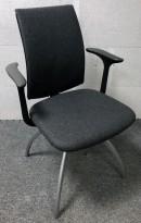 HÅG H05 Visit konferansestol / besøksstol NYTRUKKET i gråmelert stoff / grå ben, armlene, nytrukket