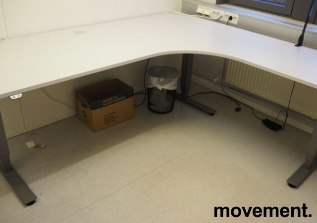 Skrivebord / hjørneløsning med elektrisk hevsenk fra EFG i lys grå, 200x180, høyreløsning, pent brukt bilde 2