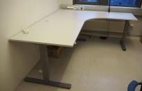 Skrivebord / hjørneløsning med elektrisk hevsenk fra EFG i lys grå, 200x180, høyreløsning, pent brukt 2016-modell