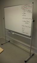 Mobilt whiteboard på hjul, 2sidig, 150x100cm whiteboard, pent brukt