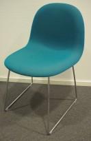 Gubi 3D konferansestol i turkis stoff / hvit bakside / ben i krom, design: Komplot design, pent brukt