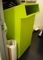 Miljøstasjon / sorteringsstasjon for kontoravfall i grønt fra Lundqvist Innredningar, modell Hungry Mini, 62cm bredde, pent brukt