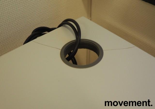 Skrivebord / hjørneløsning med elektrisk hevsenk fra EFG i lys grå, 200x180, høyreløsning, OBS! Skade i plate bilde 2