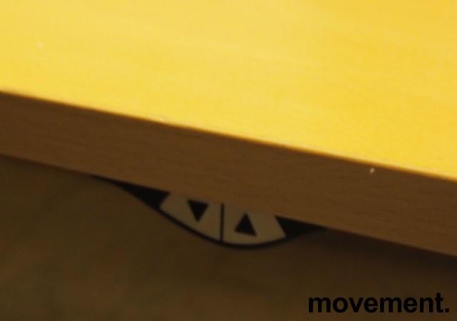 Hjørneløsning elektrisk hevsenk fra Svenheim i bøk, 160x220cm, venstreløsning, pent brukt bilde 3