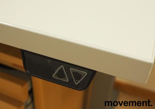 Skrivebord / hjørneløsning med elektrisk hevsenk fra EFG i lys grå, 180x200, venstreløsning, pent brukt bilde 3