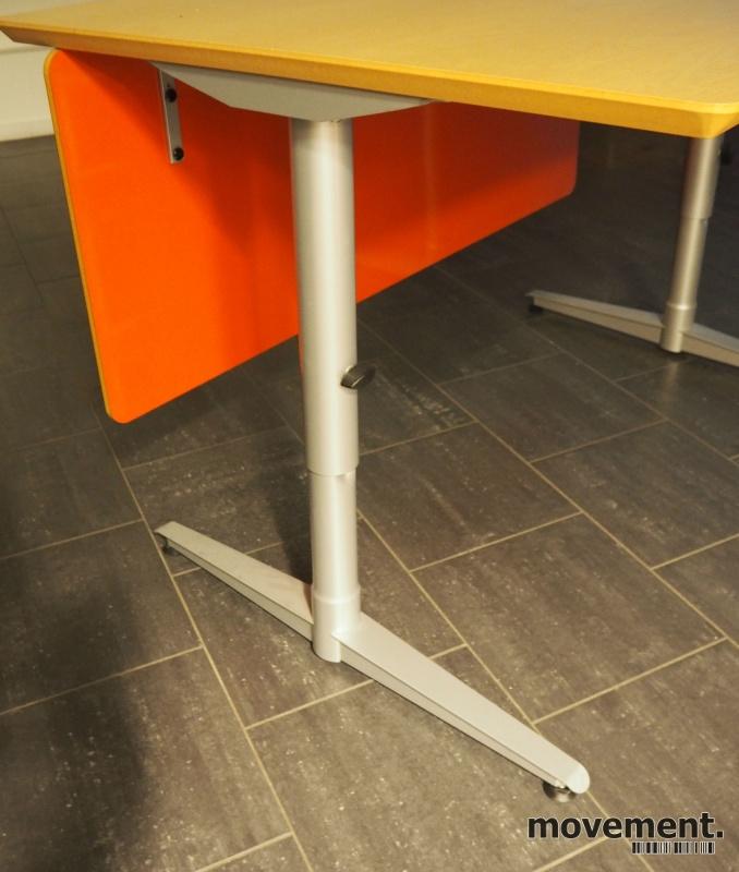 Skrivebord i bjerk / grått fra Edsbyn, 120x80cm, pent brukt bilde 2
