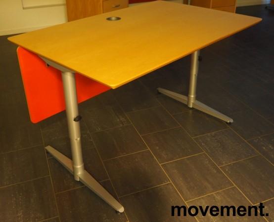 Skrivebord i bjerk / grått fra Edsbyn, 120x80cm, pent brukt bilde 1