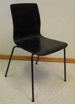 Møteromsstol / besøksstol fra EFG, modell NOVA i sortlakkert eikefiner, pent brukt