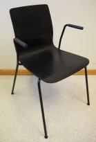 Møteromsstol / besøksstol fra EFG, modell NOVA med armlener, sortlakkert eikefiner, pent brukt