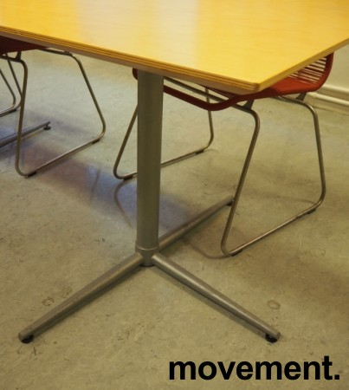 Kantinebord i bjerk / grålakkert metall fra Zeta Furniture, 180x80cm, brukt med noe slitasje på plater bilde 2