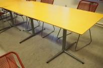 Kantinebord i bjerk / grålakkert metall fra Zeta Furniture, 180x80cm, brukt med noe slitasje på plater
