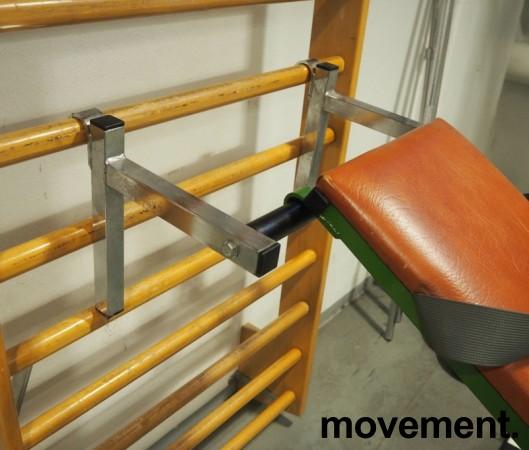 Treningsbenk for oppheng i ribbevegg, brukt bilde 2