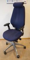 Kontorstol: RH-stolen RH Logic i blått stoff, Høy rygg, armlener, nakkepute, pent brukt