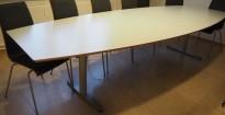 Møtebord fra Edsbyn i lys grå, 320x120cm, passer 10-12 personer, pent brukt