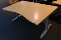 Kinnarps elektrisk hevsenk skrivebord i bjerk / grått, 160x100cm med magebue, pent brukt
