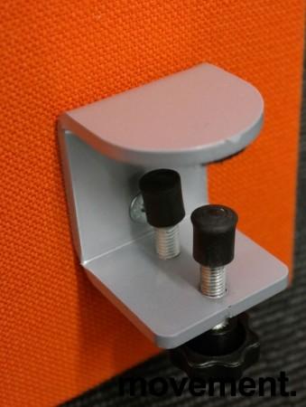 Bordskillevegg i orange stoff fra Zilenzio, 180x65cm, pent brukt bilde 3