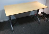 Kompakt skrivebord / sidebord i bøk / grå fra Edsbyn, 120x60cm, brukt med slitasje