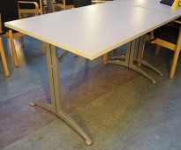 Kinnarps Asto kantinebord i lys gråmønstret / grått, 120x80cm, pent brukt