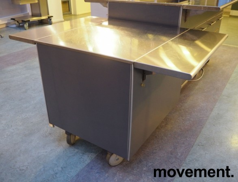 Serveringsmodul på hjul i mørkt grått / rustfritt stål fra Metos, 80cm bredde, med brettbane for kantinebrett, pent brukt bilde 1