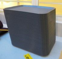 Kantinebrett, 180 stk i grå plast 44x33cm, selges samlet, pent brukte