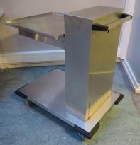 Brettdispenservogn for oppvaskbakker, pent brukt
