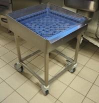 Tralle i rustfritt til å skylle bestikk (bestikktralle), passer vanlige oppvaskbakker, pent brukt