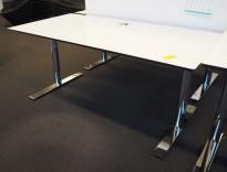 Lekkert skrivebord i hvitt med sort kant / krom, 160x80cm, pent brukt