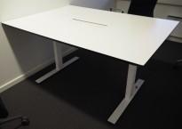 Møtebord / konferansebord i hvitt fra Dencon, kabelluke, 140x100cm, pent brukt
