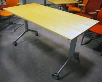 Kinnarps Foldex sammenleggbare møtebord i bjerk, med hjul, 140x70cm, pent brukt