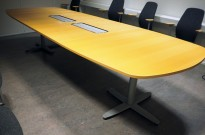 Kinnarps T-serie møtebord / konferansebord i bøk, 360x120cm, passer 12-14personer, pent brukt
