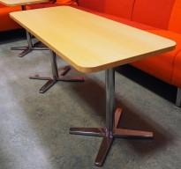 Rektangulært loungebord i bjerk / krom, Materia Centrum-serie, 135x52,5cm, H=61, pent brukt