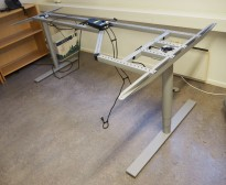 Kinnarps Oberon hevsenk understell for skrivebord, passer plate 200x120cm, høyreløsning, pent brukt