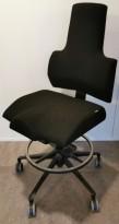 Ergonomisk kontorstol fra Therapis, Comfort 300-serie i sort stoff, pent brukt