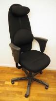 Håg Signet kontorstol, høy rygg, ryggpute og nakkepute, sort stofftrekk, pent brukt