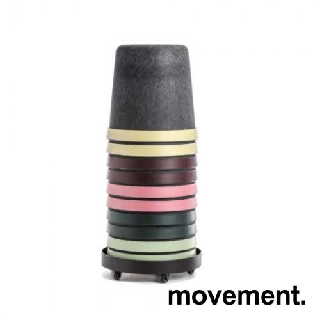 Puffer / paller på tralle, 10stk, Cap fra Materia, 2 av hver farge, sittehøyde 45cm, pent brukt bilde 1