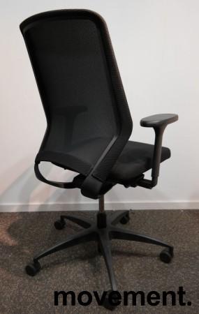 Kontorstol fra Drabert, modell Esencia i sort stoff / mesh, armlener, sort understell, pent brukt bilde 2