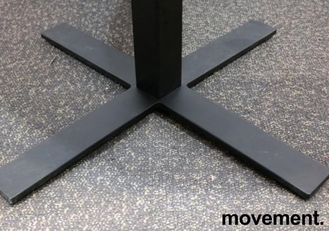 Lite møtebord / kantinebord, Kinnarps Oberon i hvitt / sort, Ø=90cm, pent brukt bilde 3