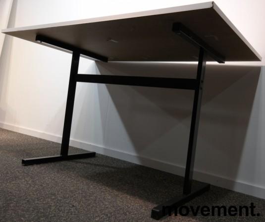 Kompakt møtebord / kantinebord i hvitt / sort, 120x80cm, brukt med slitasje bilde 3