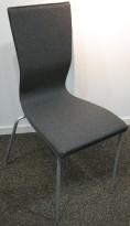 EFG Graf konferansestol, NYTRUKKET i grått stoff / grå ben