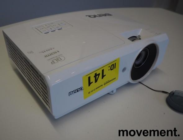 Benq MH741 projektor, full HD, HDMI, 2014 timer på pære, pent brukt bilde 2