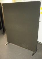 Skillevegg fra Lintex i sort, 151cm høyde, 120cm bredde, pent brukt