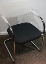 Vitra Visavis by A. Citterio, konferansestol i sort / hvitt og krom, pent brukt